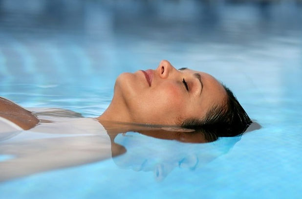 Floating eases physical and emotional tension, promotes blood circulation through the entire body and reduces inflammation, stress hormones & heart rate