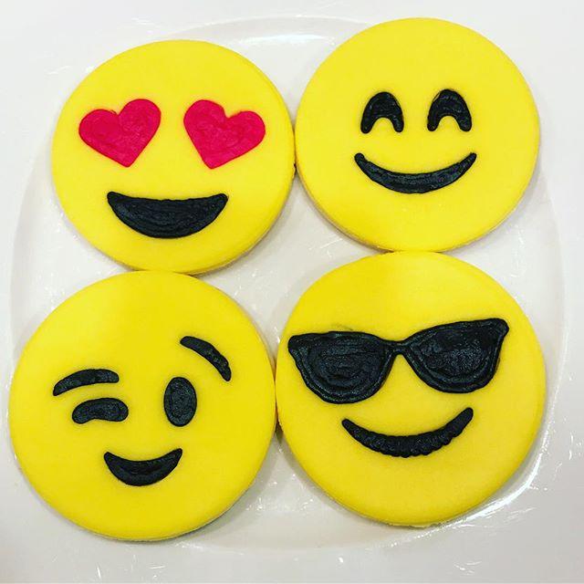 Emoji Cookies shipped for #Halloween 😉😎😍😄_#emoji #emojis #nutfreebakery #nutfree #nutfreenoms #n