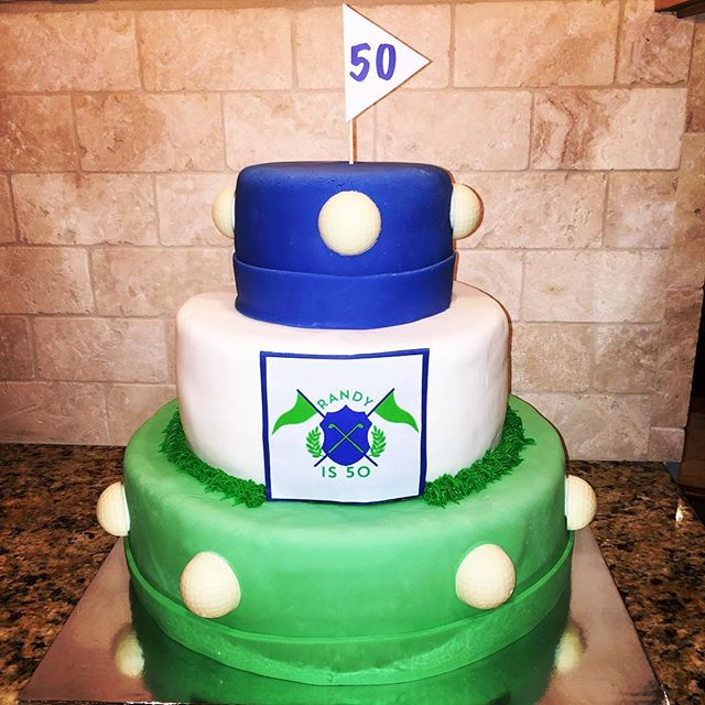 #golf cake #happybirthday _3-tiers of vanilla cake filled with mini chocolate chip cannoli cream, co