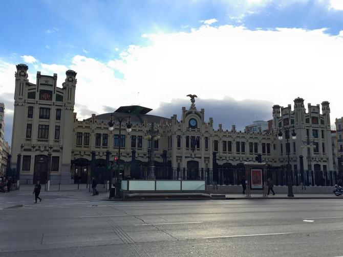 バレンシアのモダニズムツアー