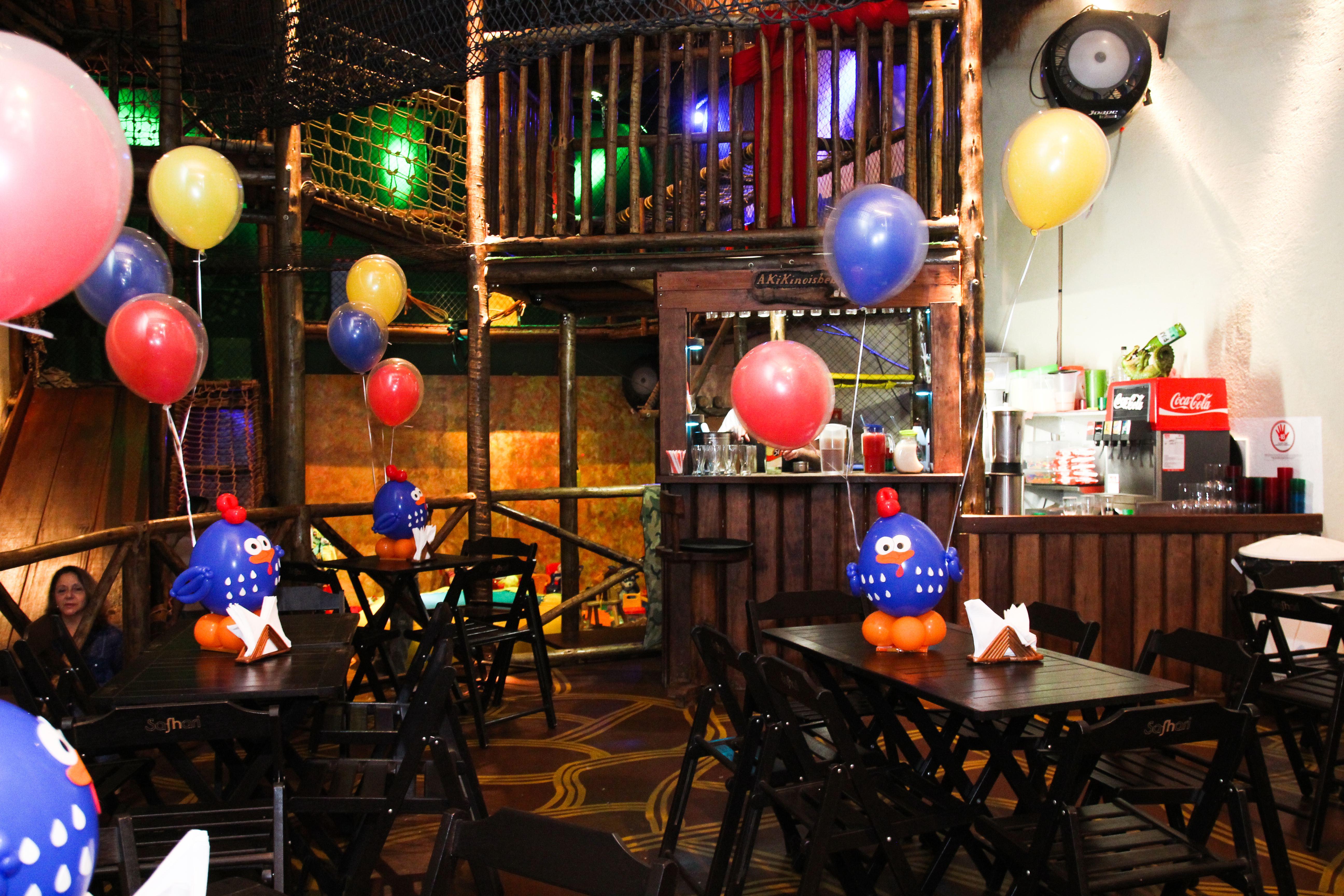 Mesas no Bar