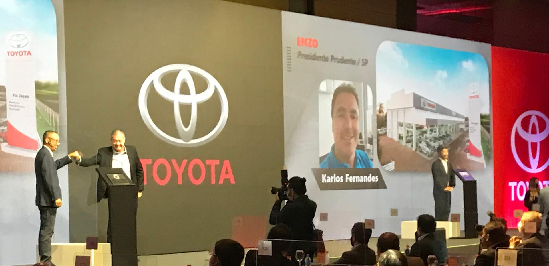 Evento Hibrido Toyota Palco com Acrilico