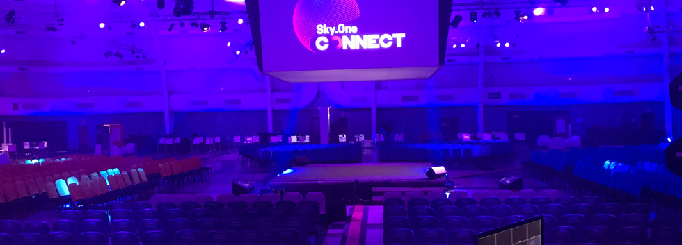 SkyOne_Connect_WTC_2020_Plenaria_e_House
