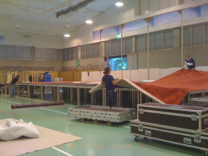 Amma Schweiz. Aufbau in der Eulachhalle.