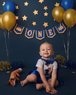 Happy birthday to this little prince 👑_