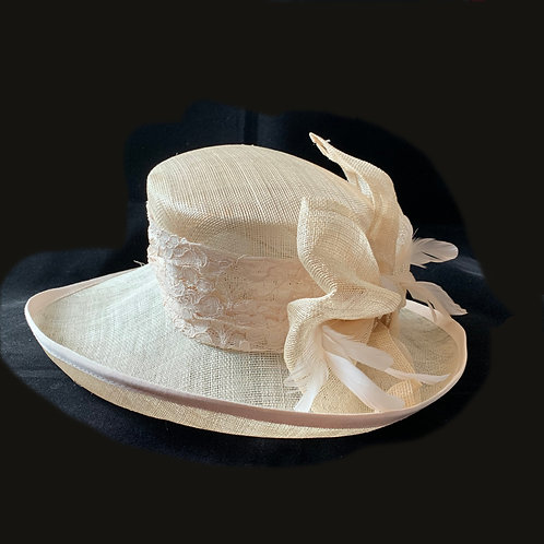 Nude Straw Hat with Lace & Feather Detail