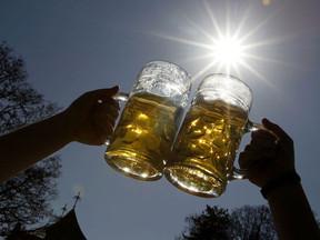 De vaststelling van de staat van alcoholintoxicatie en dronkenschap.