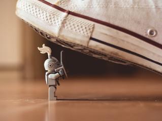 Piensa en grande, empieza pequeño: La grandeza se consigue aprendiendo a diferenciar la locura de la