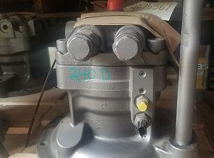 240DLC Swing Motor