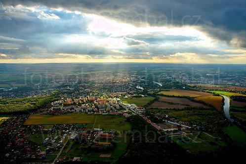 Hra světel nad Pardubicemi