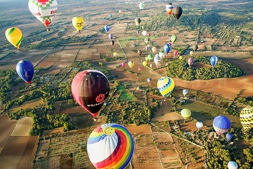 Balóny nad polem, z výšky - Malorka 2019