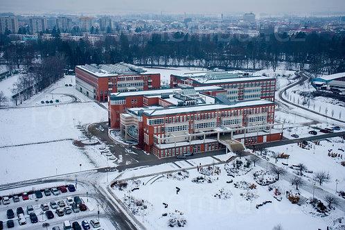 Fotka ke stažení malá - Zimní pohled na Univerzitu Hradec Králové