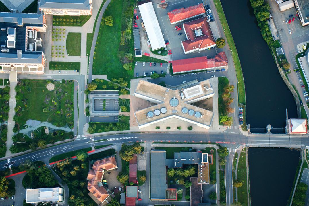 Vědecká knihovna z výšky