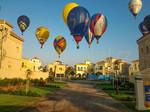 Balóny mezi domy - Dubaj