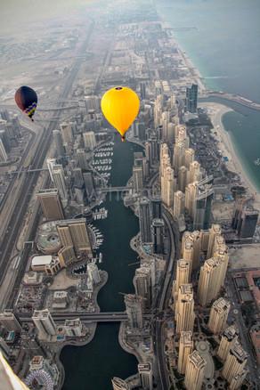Dubai Marina s balóny