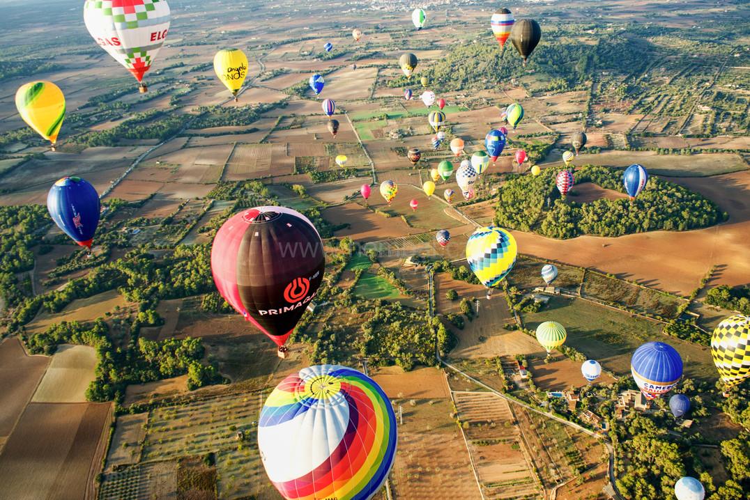 Balóny nad polem z výšky - Malorka 2019