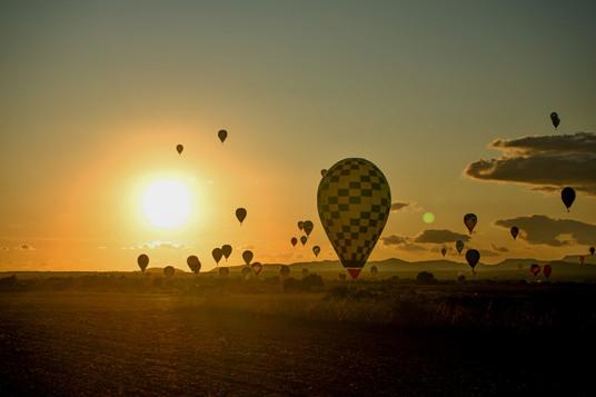 Balóny při východu slunce - Malorka