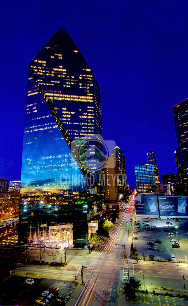 Fountain Place building- Dallas, Tx