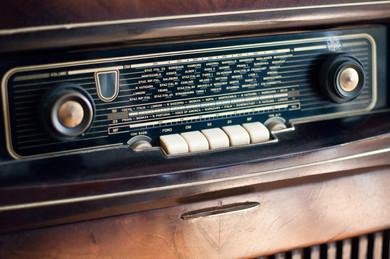 vintage 50's radio.jpg