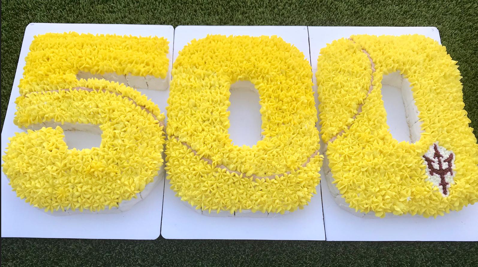 500 wins cake