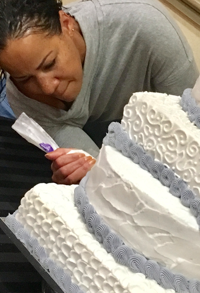 Finishing Wedding Cake