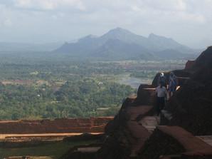 TRAVEL & VOLUNTEERING IN SOUTH EAST ASIA | SIGIRIYA ROCK, SRI LANKA