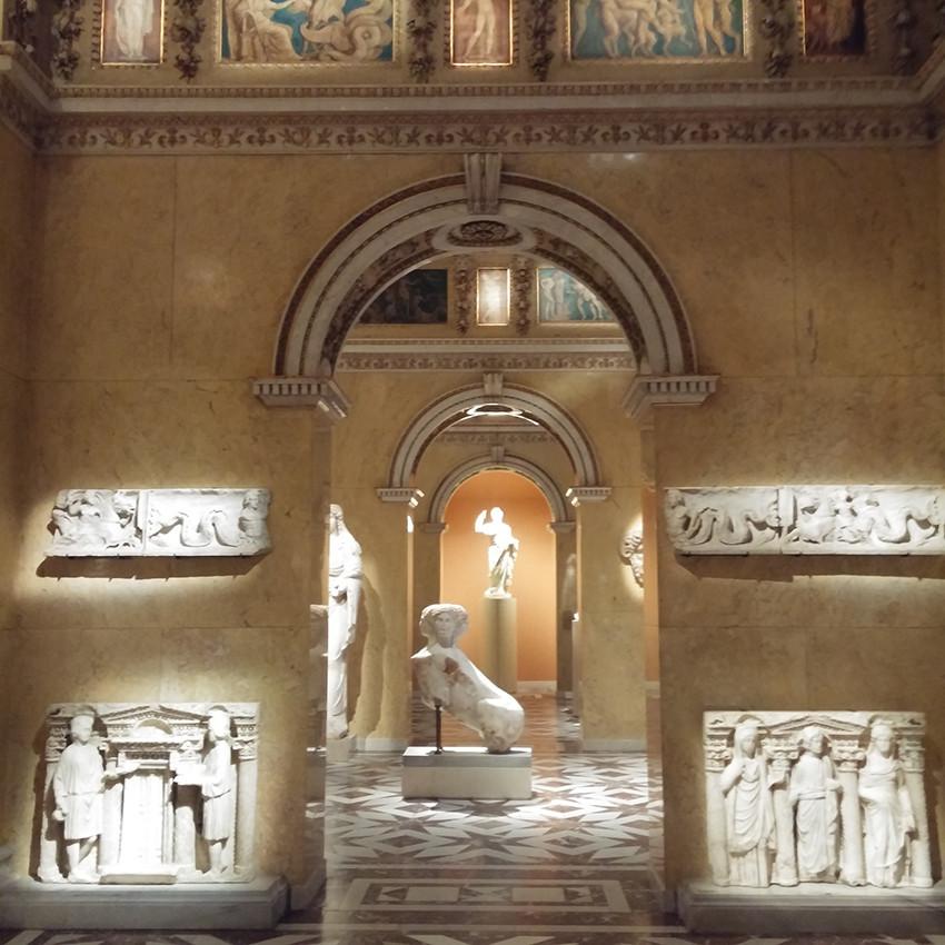 Kunshistorisches - Antiquities