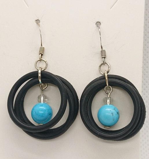 Boucles d'oreilles avec anneaux en caoutchouc