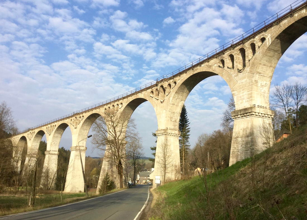 Viaduct Piesau.jpeg