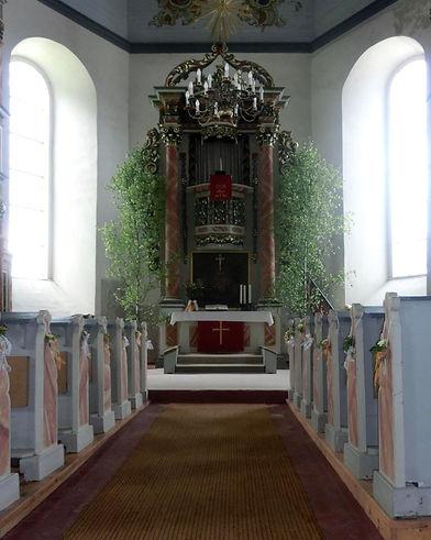 Kirche Schmiedefeld Altar.jpg