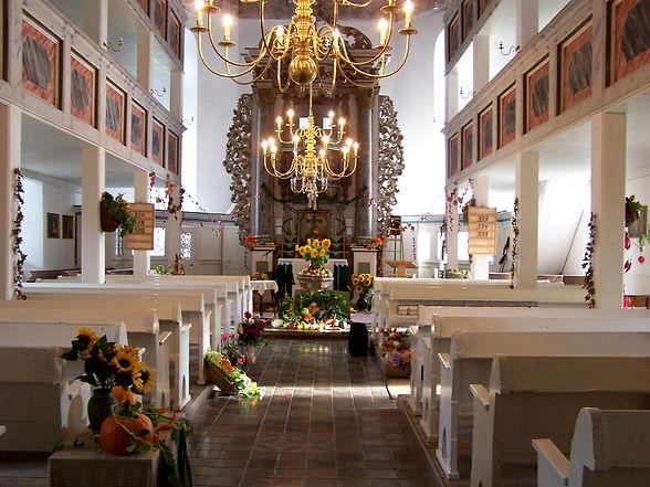 Kirchenschiff Meura.jpg