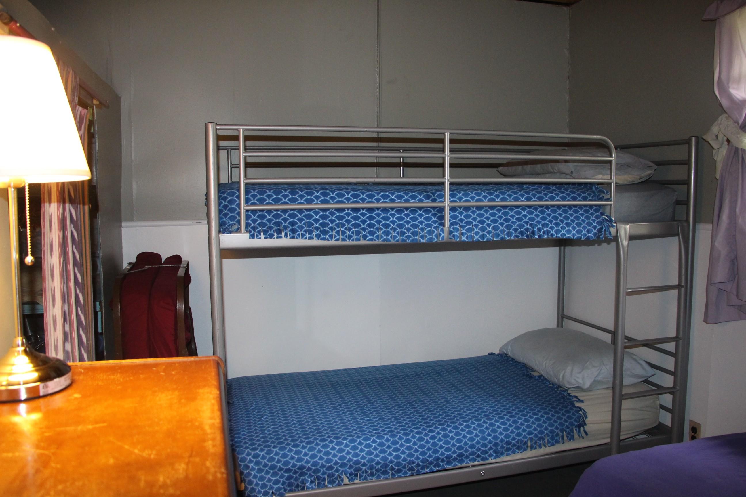 Cabin 9 (8)