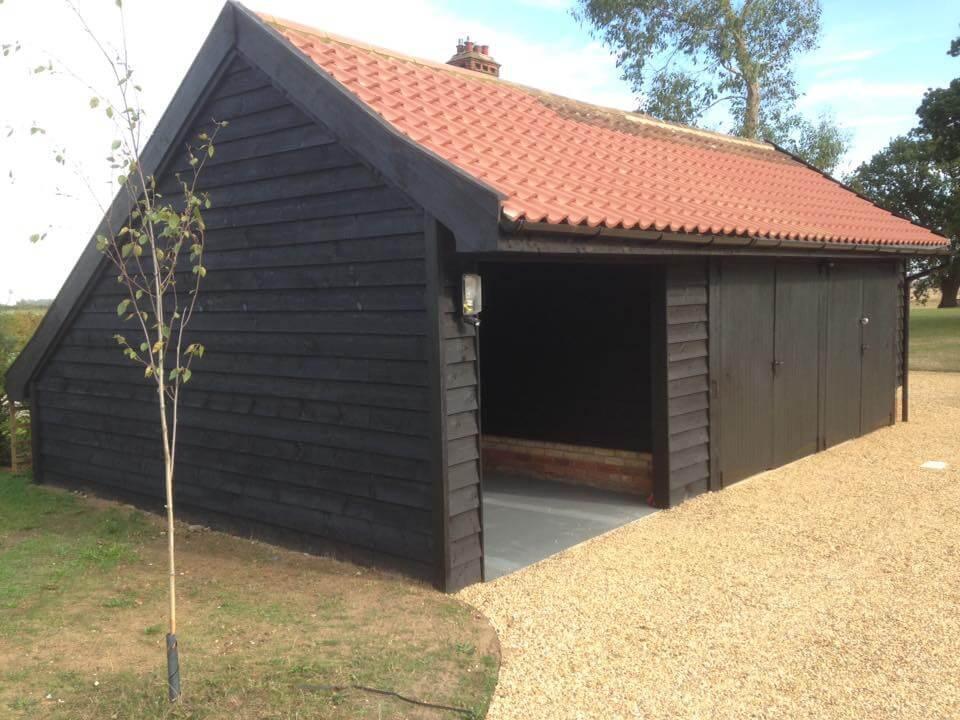 Timber garage.jpg