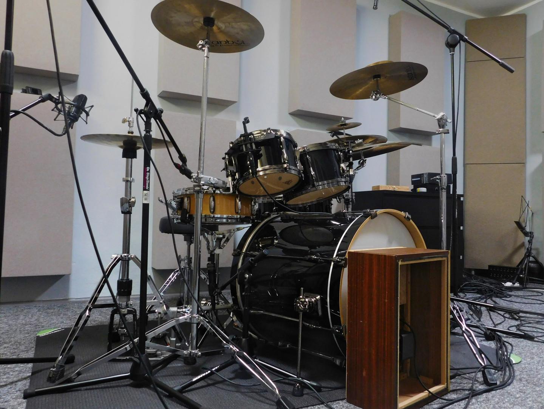 Omikrofonowanie perkusji