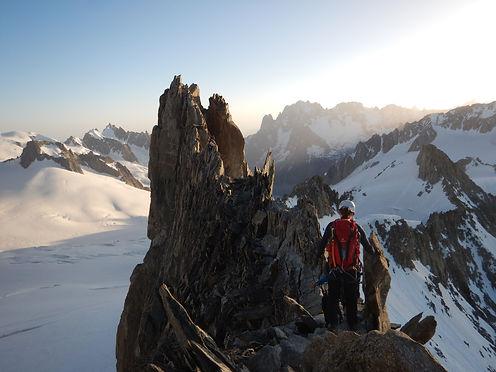 traversé aiguille d'entrèves alpinisme