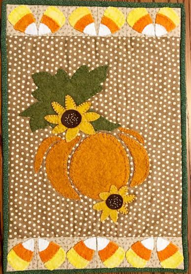 Pumpkin & Candy Corn Table Mat