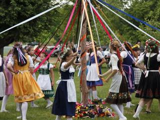 Bavarian Festival Maypole: A Beacon for Festival Go-ers