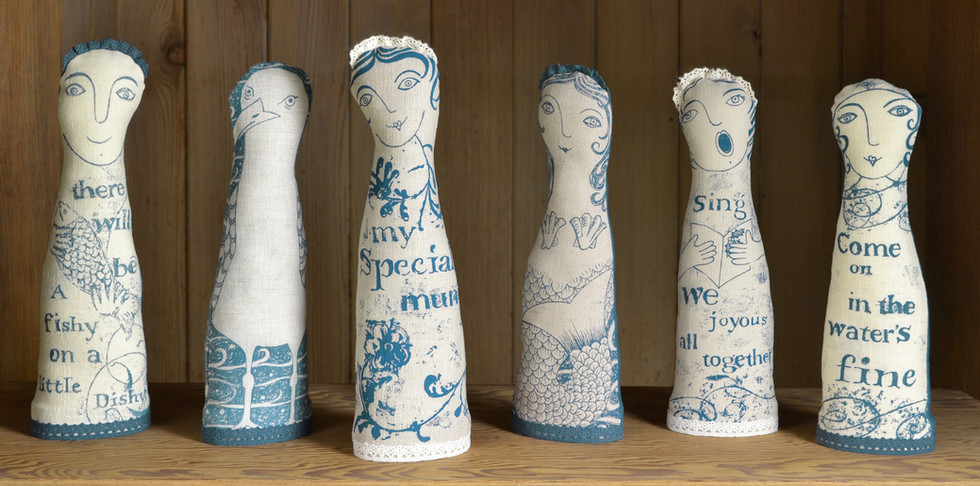 decorative linen seaside figures