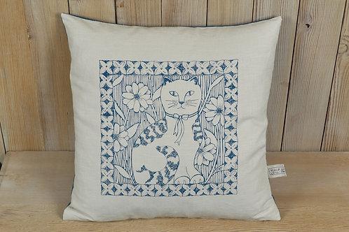 jill pargeter - linen cushions - blue dog