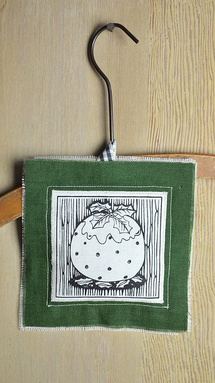 Jill Pargeter - xmas pudding - tree decorations