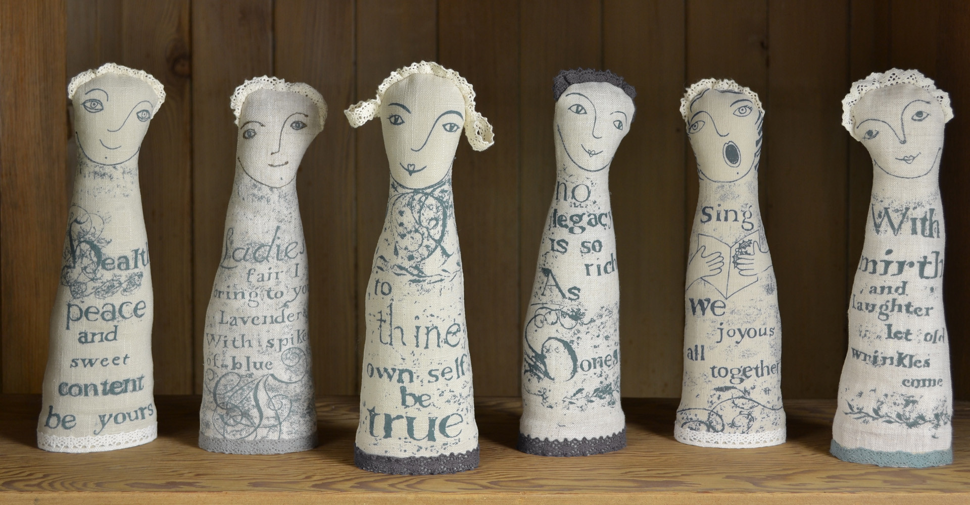 Shakespeare linen figures