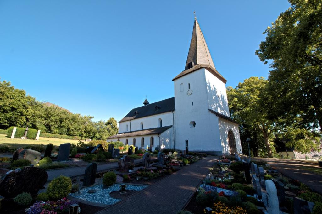 Kirche Thülen