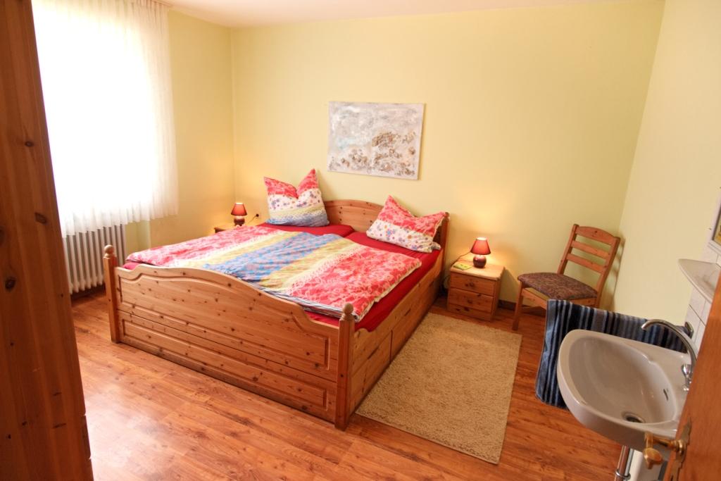 FeWo Flieder - Schlafzimmer 1