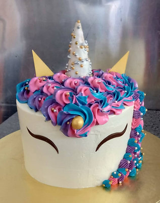 3D Cake-Unicorn. (9 to 10 inches.)