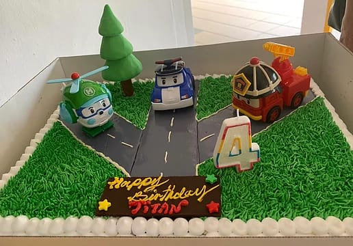 3D Cream Cake - Highway Patrol (toys not included)