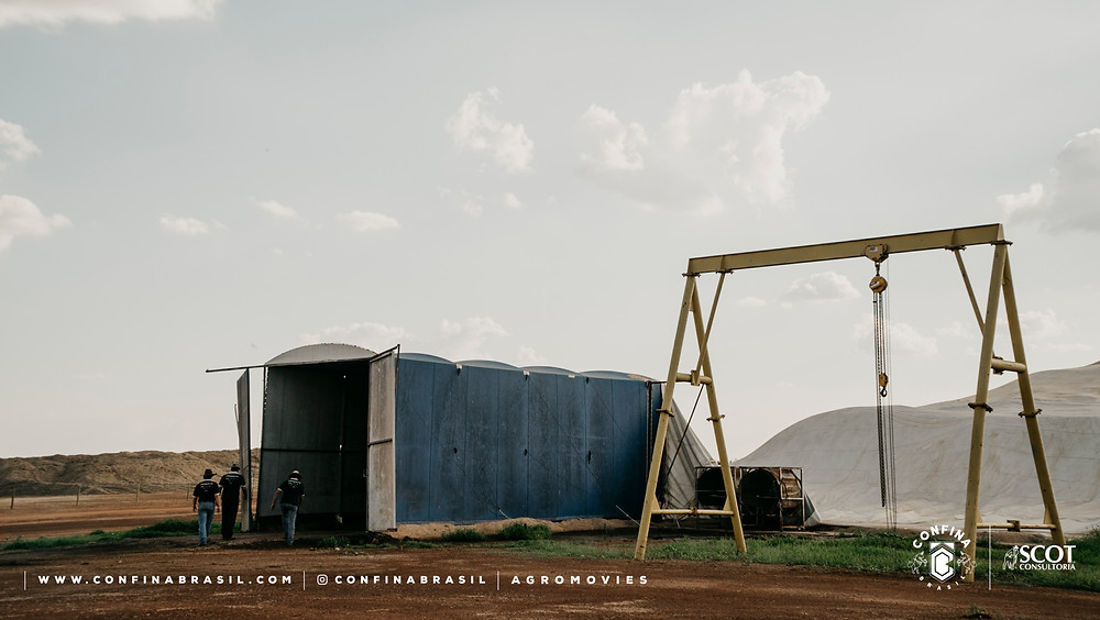 confina brasil. silo no confinamento.