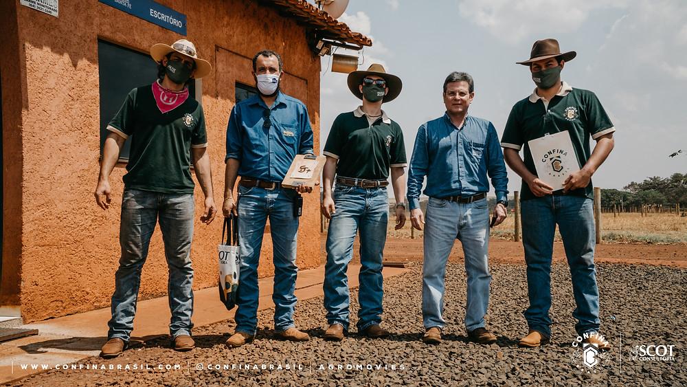 Equipe confina brasil com pecuaristas