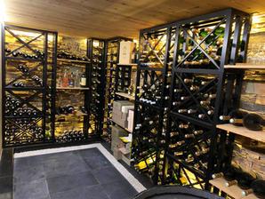 Rénovation et aménagement d'intérieur d'une cave à vin par l'agence d'architecture d'intérieur et décoration WILDHOME