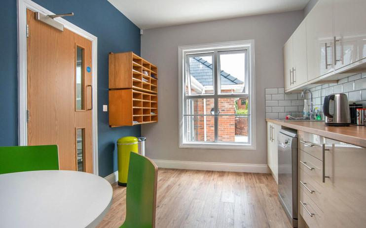 Office-restroom-interior-design7.jpg