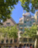 2Gaudi_architecture-Barcelona.JPG